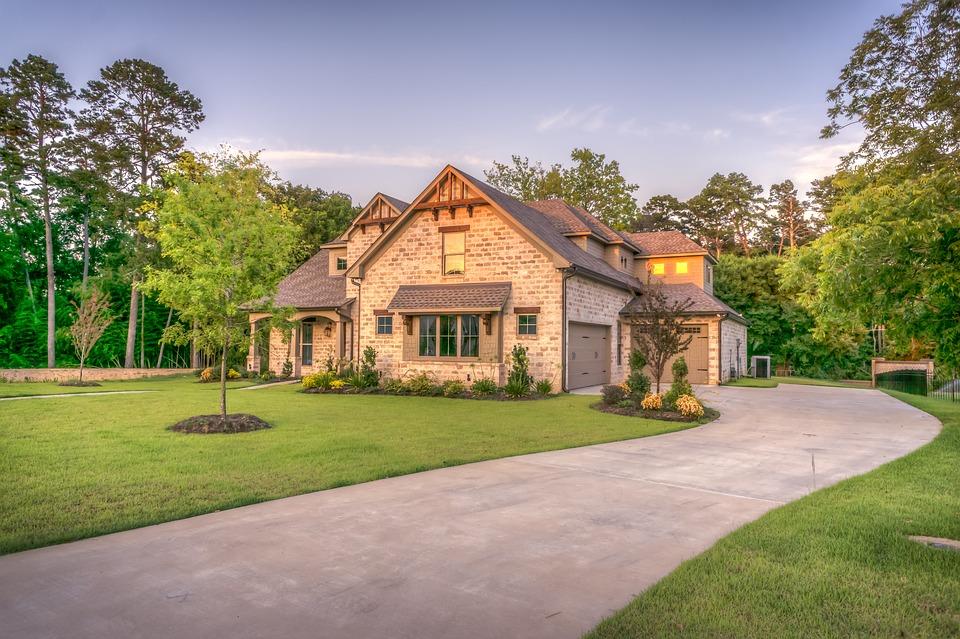 dom, pozemok
