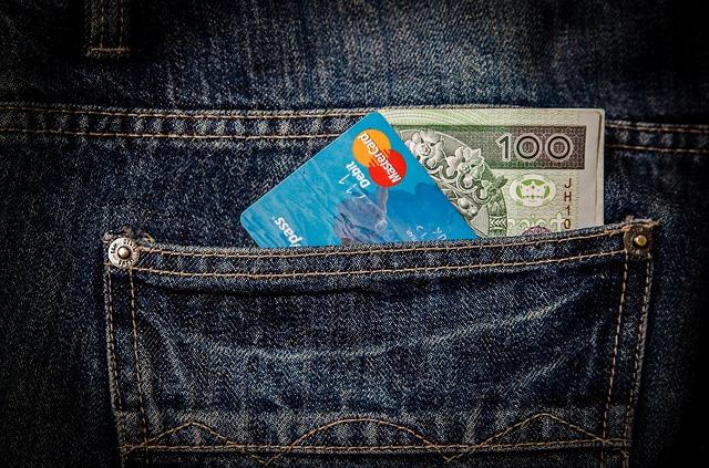 platební karta.jpg